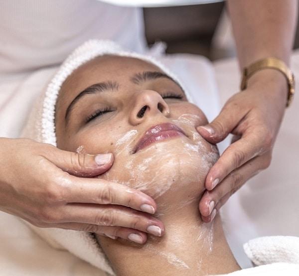 Kosmetikbehandlungen | Edith Lücke trier